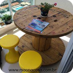 Minha mesa carretel reciclada para a varanda.