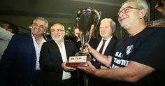 Το αδιαχώρητο στην άφιξη της πρωταθλήτριας ομάδας βόλεϊ του ΠΑΟΚ στη Θεσσαλονίκη