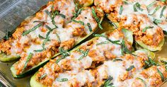 Cuketa zapékaná s kuřetem, česnekem a sýrem