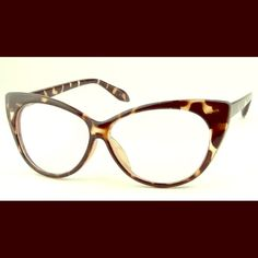 """LEOPARD VINTAGE LOOK CAT EYE FRAME GLASSES. *NWT LEOPARD VINTAGE LOOK CAT EYE FRAME GLASSES. *NWT*   Shown here in TOP TRENDING Leopard Print.    GET THE RUNWAY LOOK FOR LESS!!!      Red And Glossy Black also available .    Non - prescription. Light weight.  The perfect """"accessory"""" to spice up your everyday look!!! #SWOON ThinkVintageOnline Accessories Glasses"""