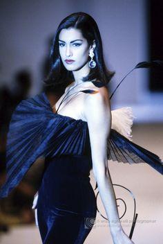 Gianfranco Ferrè F/W 1991 Model: Yasmeen Ghauri