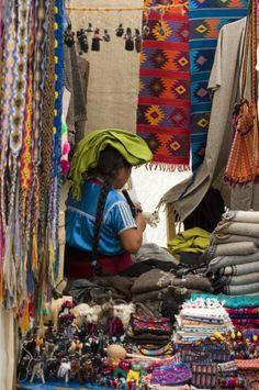 En #Chiapas, conoce sus asombrosas artesanías, con colores intensos y figuras tradicionales. Bellezas artísticas que se ofrece en las calles. http://www.bestday.com.mx/Chiapas/Atracciones/