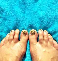 Beach Beauty: Banana Toes. | Goldfish Kiss