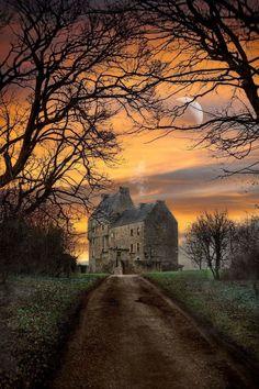 Home of the Fraser's (Outlander) – Lallybroch,(Midhope Castle) Scotland. Home of the Fraser's (Outlander) – Scotland Castles, Scottish Castles, Scotland Uk, Winter Sunset, Outlander Series, Outlander Quotes, Outlander Book, Scotland Travel, Belle Photo