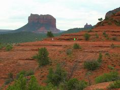 Heading to Bell Rock in the distance. One of the many inspiring runs at the annual Run SMART Retreats.
