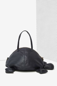 Welcome Companions Tortoise Leather Bag € 510,09 Not very nice, but rare ;)