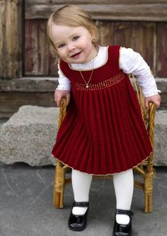 A beautiful red knit dress for a toddler age girl! Dalegarn 270 Baby A beautiful red knit dress for a toddler age girl! 27009 Dale of Norway Holiday Dress pattern by Olaug Kleppe This Pin was discovered by Нат Hello Kitty intarsia sweater d Luv U Forev Red Knit Dress, Girls Knitted Dress, Knit Baby Dress, Knitted Baby Clothes, Smock Dress, Knitted Bags, Knitting For Kids, Baby Knitting Patterns, Baby Patterns