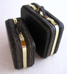 more miniature suitcases..  PDF file tutorial