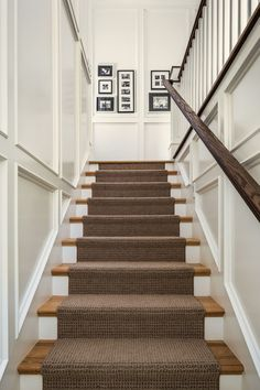 The Upstairs Downstairs Connection: Pick the Right Flooring for Stairs - treppe. Staircase Molding, Stairs Trim, Carpet Staircase, Staircase Runner, House Stairs, Staircase Design, Stair Runners, Basement Carpet, Hall Carpet