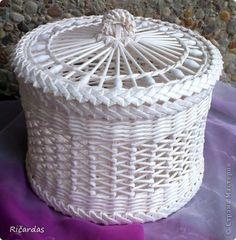 Поделка изделие Плетение Белый набор Бумага газетная Бусинки Картон фото 6