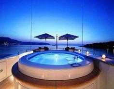 Luxury Outdoor Design Jacuzzi