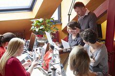 Cours d'auto-maquillage en groupe by Frédéric L'Instant Maquillage