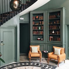 Cet hôtel trop beau @thehoxtonhotel ! Cette palette et cet style m'inspirent beaucoup ! . . Este hôtel simplesmente lindo. Me inspirando das cores e do estilo para um projeto. . . . #paris #parisisalwaysagoodidea #latergram #regram #travel #travelgram #instatravel #deco #interiordesign #retro #cityguide #bonnesadresses #autumniscoming #inspiration #hotel #instadeco #instamood #instadaily #night