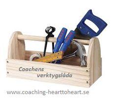 I coachens verktygsåda finna många verktyg för att bygga goda relationer, en genuin kommunikation och kreativa handlingar.    För att säkerställa professionalitet hos din coach och det coachutbildningsprogram du väljer har ICF(International Coach Federation)utarbetat elva kompetenser som utgör själva kärnan bland de färdigheter en coach skall besitta och demonstrera.    1 Följa   Coaching- Heart to Heart´s coachutbildning är godkänd av ICF