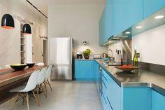 The home of fashion designer Filippa K.   via http://nordicdesign.ca/  이렇게 이쁜 주방에 블랙씨쓰루 입고 요리하고 싶다~
