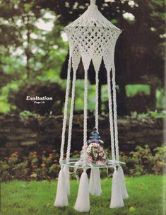 VINTAGE MACRAME PATTERNS 70s TABLES HANGING PLANTERS NOVELTY BIRD CAGE FOUNTAINS - Images hosted at BiggerBids.com