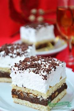 Prajitura Kati - recipe in romanian No Bake Desserts, Just Desserts, Delicious Desserts, Yummy Food, Romanian Desserts, Romanian Food, Sweet Recipes, Cake Recipes, Dessert Recipes
