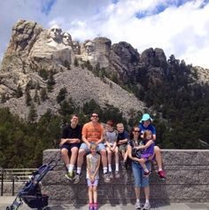 6 Ways to Find Cheap or Free Things to Do on Vacation Free Things To Do, Travel Tips, Travel Money, Travel Deals, Make A Game, Family Travel, Mount Rushmore, Places To Go, Vacation