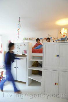 built-in-beds-for-kids stapelbed bunk bed hoogslaper babykamer kinderkamer children kids room nursery