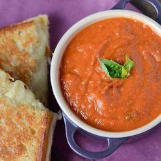 Creamy Tomato Soup (Panera Copycat Recipe)