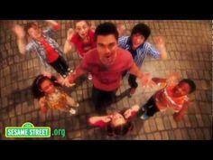 "Sesame Street: Juanes sings Muevete ""Manos, cabeza, pies"""
