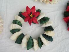 Corona hecha con hojas de maiz