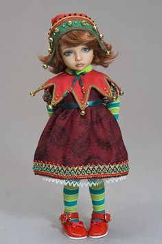 Make your smaller dolls an elf hat and pointy collar for a fun ...