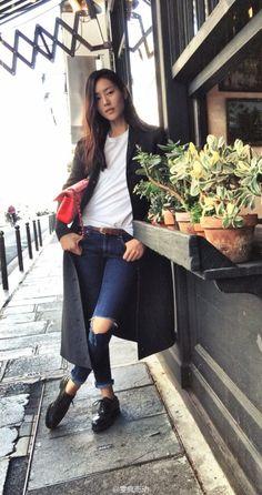 Liu Wen: Street Style PFW 2015