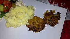 Kasvispihvit Mashed Potatoes, Cauliflower, Vegetables, Ethnic Recipes, Food, Whipped Potatoes, Smash Potatoes, Cauliflowers, Essen