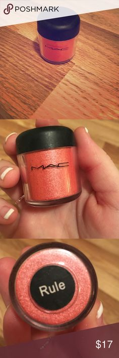 Mac loose eyeshadow in Rule Pretty loose powder in a shimmery orange MAC Cosmetics Makeup Eyeshadow