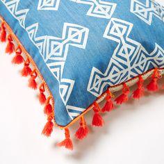 delila denim cushion Little People, Soda, Printing On Fabric, Cushions, Throw Pillows, Stitch, Denim, Prints, Vintage