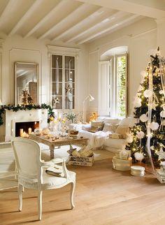 Una casa blanca como la nieve ElMueble 10 | white on white Christmas decor - stunning!