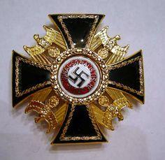 The dead hero order Army Medals, Airborne Army, Military Awards, Nazi Propaganda, Germany Ww2, Military Insignia, German Army, World War, Wwii