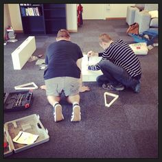 Der arbejdes hårdt. Skønt team af unge og voksne! #dankbardk #iamsoproud #myboys #work #emil #welove