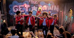 Inside 'The Get Down': How Baz Luhrmann Recreated the Birth .- Inside 'The Get Down': How Baz Luhrmann Recreated the Birth of Hip-Hop Inside 'The Get Down': How Baz Luhrmann Recreated the Birth of Hip-Hop - The Get Down Netflix, Shows On Netflix, Baz Luhrmann, Best Television Series, Tv Series, Movies Showing, Movies And Tv Shows, Sherlock, Film School