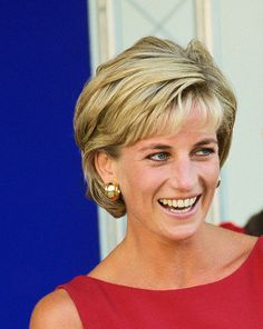 Princess Diana hairstyles were one of the most copied styles in the 1980's. Description from street-fashion-trends.com. I searched for this on bing.com/images