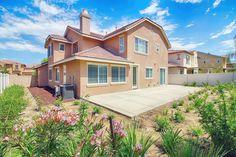 Take a 360° virtual tour of this beautiful house in Temecula, California