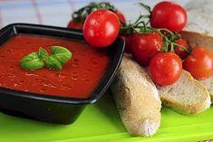 Tomaattikeiton lisukkeeksi sopii hyvin ricottajuusto. Käytä kesällä säilyketomaatin sijasta tuoreita tomaatteja. Pudding, Healthy Recipes, Desserts, Food, Tailgate Desserts, Deserts, Custard Pudding, Essen, Puddings