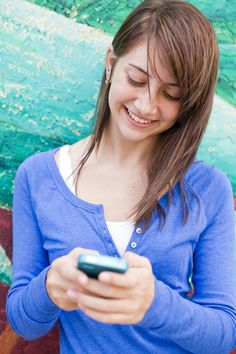 Turn Off Your Parenting Apps and Enjoy Actual Parenting|BabyPost