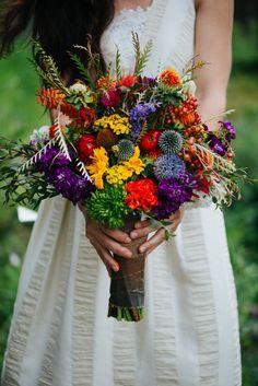 Wild flowers make a gorgeous + bright wedding bouquet. #aromabotanical
