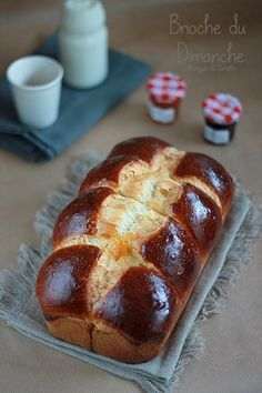 Brioche au fromage blanc Brioche Bread, Braided Bread, No Sugar Foods, Bread And Pastries, Us Foods, Hot Dog Buns, Bakery, Brunch, Food And Drink