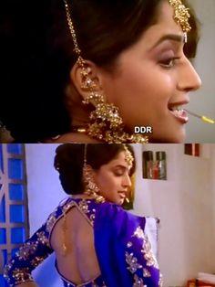 Madhuri Dixit in Hum Aapke Hain Kaun Bollywood Actors, Bollywood Fashion, Madhuri Dixit Saree, Hum Aapke Hain Koun, Sexy Painting, Celebrity Pics, Vintage Bollywood, Ethereal Beauty, Beauty Full Girl