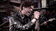 RTL Late Night - Waylon rockt er op los in RTL Late Night