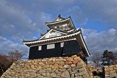 Hamamatsu Castle #Samurai Tokugawa Ieyasu, Hamamatsu, Japanese Castle, Big Ben, Samurai, Sunrise, Cabin, House Styles, Building