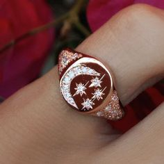 14kt gold white diamond star and moon vintage signet ring