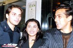 The actress  Rani Mukerjee with Khan brothers � Sohail and Salman