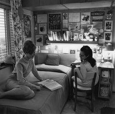 vintage everyday: Women's dorm room, 1968