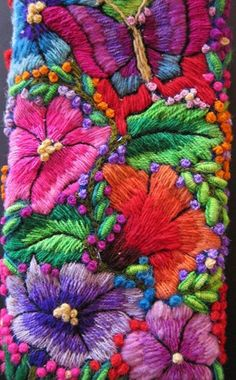Marvelous Crewel Embroidery Long Short Soft Shading In Colors Ideas. Enchanting Crewel Embroidery Long Short Soft Shading In Colors Ideas. Mexican Embroidery, Hand Embroidery Designs, Learn Embroidery, Embroidery Fabric, Embroidery Ideas, Christmas Embroidery Patterns, Embroidery Hearts, Cross Stitch Embroidery, Machine Embroidery Projects