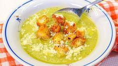 Príprava tejto cuketovej polievky podľa receptu z youtube je veľmi jednoduchá a polievka chutí skvele. Milujú ju aj deti!Potrebujeme:2 cibule1 mrkvuzeler3 - 4 strúčiky cesnakupetržlenovú vňaťsoľ podľa chuti1 l vodyslnečnicový olej3 - 4 zemiaky3 cuketybagetu … Zucchini Soup, Recipe Zucchini, Beans In Crockpot, Hummus, Stew, Chili, Good Food, Lunch, Healthy Recipes