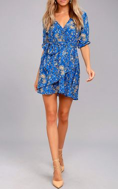 OMG! This is incredible! TheJack by BB Dakota Hugh Blue Print Wrap Dress is a top pick. The blue print color features a mesmerizing boho chic print that will look great on you. Toss on your favorite contrasting nude heels along with some cute earrings and your entire look is set for the night. Honestly, …